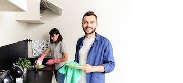 Tips Berbagi Tugas Rumah Tangga Agar Ibu Tetap Waras