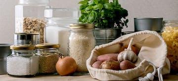 Tips Menyimpan Bahan Makanan Agar Tahan Lama