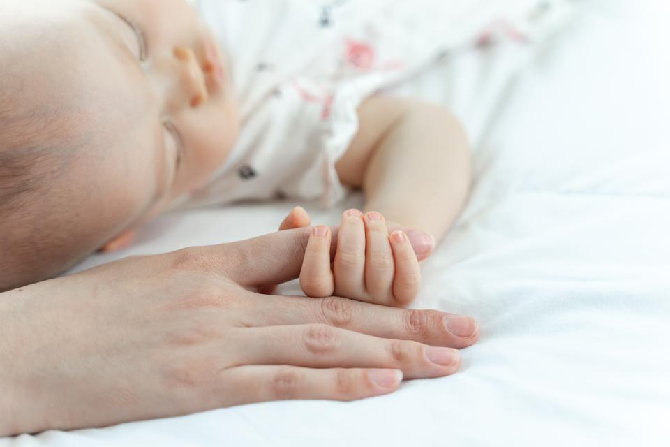 5-alasan-bayi-berkeringat-saat-tidur-berbahayakah-2