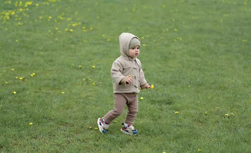 7-tips-membeli-sepatu-untuk-bayi-belajar-berjalan-3
