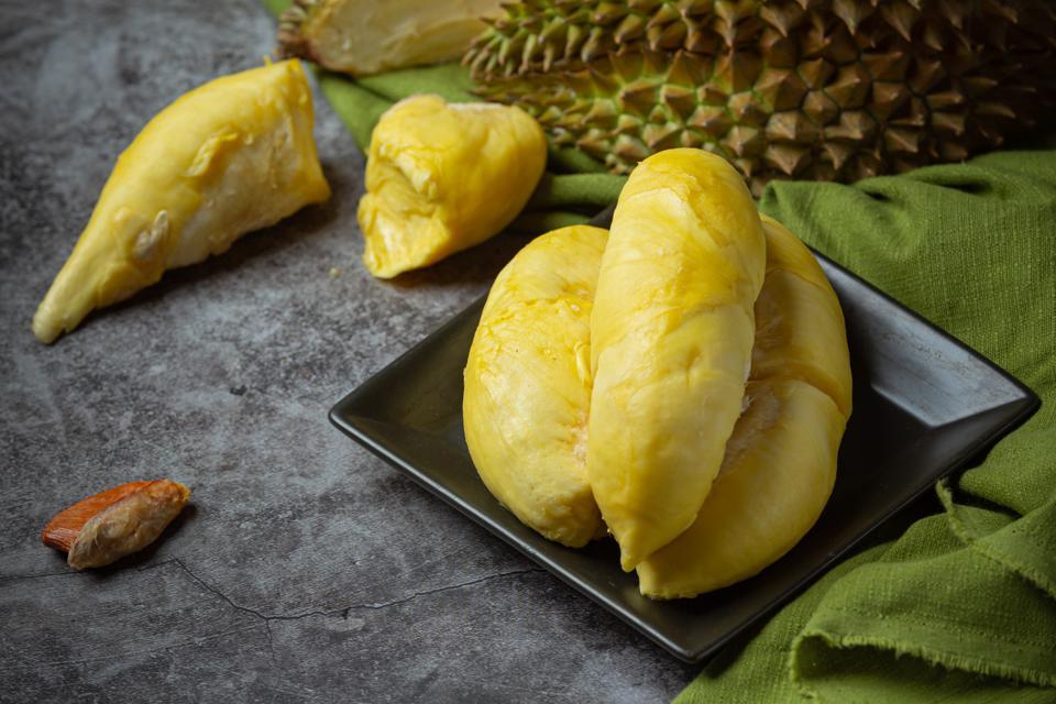 bolehkah-ibu-hamil-makan-durian-ini-4-manfaatnya-1