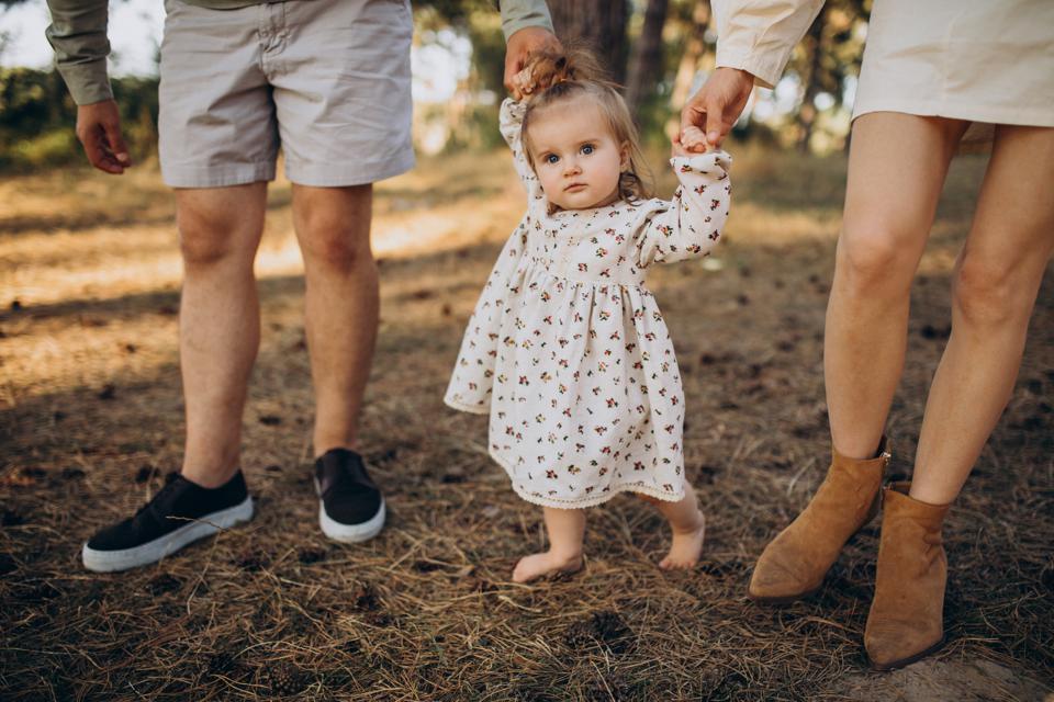 7-tips-membeli-sepatu-untuk-bayi-belajar-berjalan-2