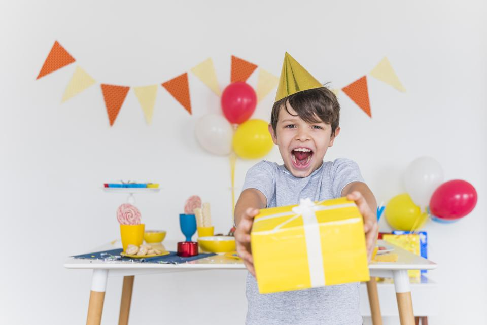 ini-caranya-memberi-anak-hadiah-agar-tidak-ketergantungan-2